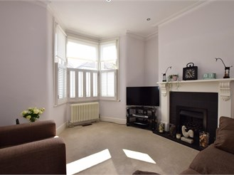 2 bedroom terraced house in Woodford Green