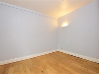 Ground floor studio apartment in South Woodford