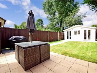 2 bedroom semi-detached house in Hornchurch