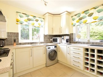 2 bedroom top floor maisonette in Chigwell