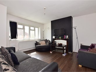 1 bedroom top floor apartment in Barking