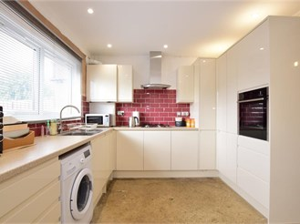 3 bedroom terraced house in Ilford