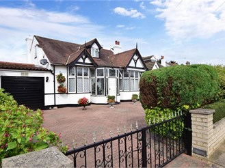 4 bedroom chalet bungalow in Ilford