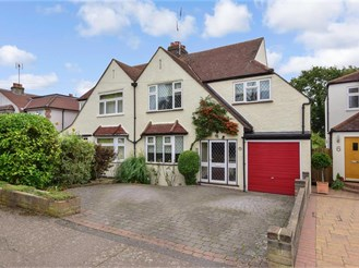 4 bedroom semi-detached house in Theydon Bois, Epping