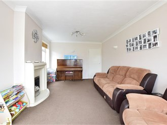 3 bed semi-detached house in Wickford