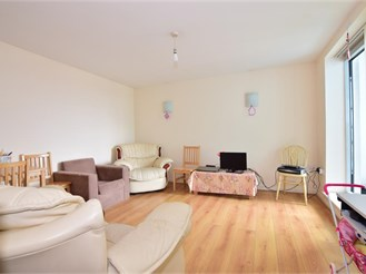 2 bedroom eighth floor flat in Ilford