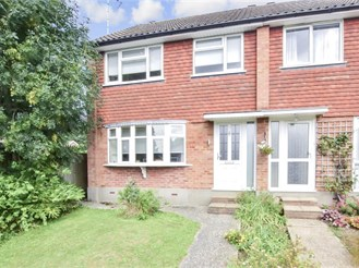 3 bedroom end of terrace house in Brentwood
