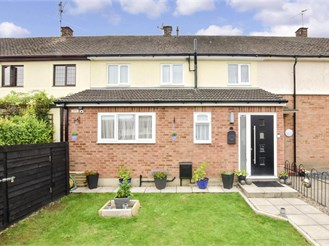 4 bedroom terraced house in Pilgrims Hatch, Brentwood