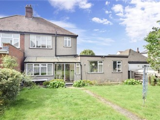 4 bedroom semi-detached house in Walthamstow