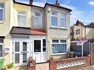 3 bedroom end of terrace house in Walthamstow
