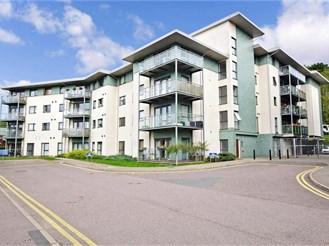 1 bed ground floor apartment in Brentwood