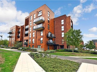 2 bedroom top floor flat in Beadle Road