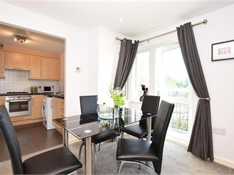 2 bedroom first floor flat in Ilford