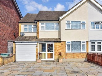 5 bedroom semi-detached house in Hornchurch