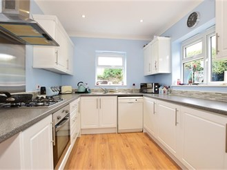 3 bedroom end of terrace house in Harold Hill