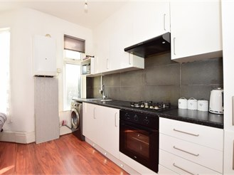 2 bedroom first floor flat in London E13