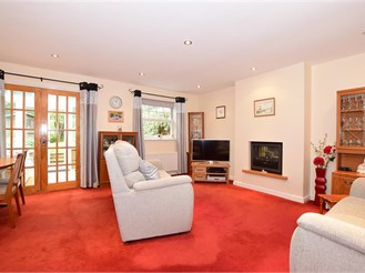 3 bedroom semi-detached house in Ingrave