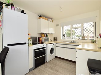 2 bedroom end of terrace house in Wickford