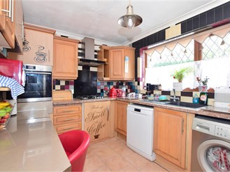 3 bedroom end of terrace house in London E4