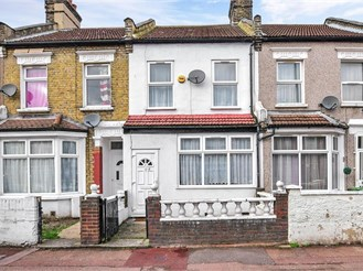 2 bedroom terraced house in East Ham, London