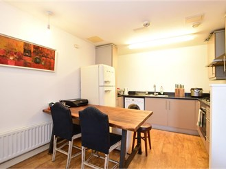 1 bedroom first floor flat in Forest Gate, London
