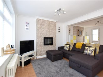 2 bedroom terraced house in Belvedere