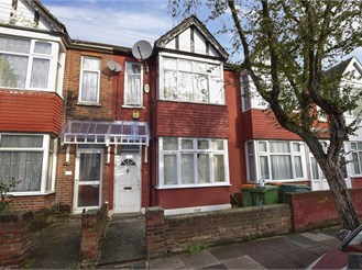 4 bedroom terraced house in East Ham