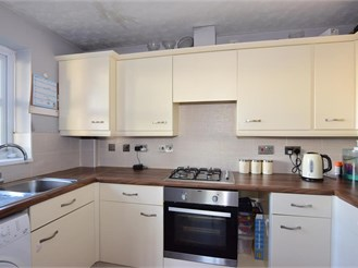 2 bedroom second floor flat in Erith