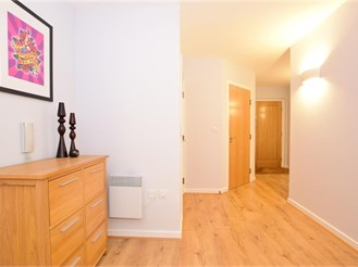 1 bedroom seventh floor flat in Brentwood