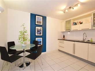 1 bed seventh floor flat in Brentwood