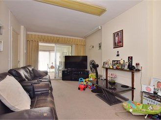 2 bedroom semi-detached bungalow in Ilford