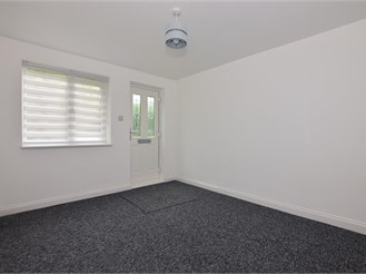 1 bedroom ground floor flat in Hainault, Ilford