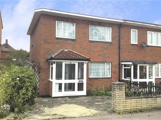 2 bedroom end of terrace house in Chigwell