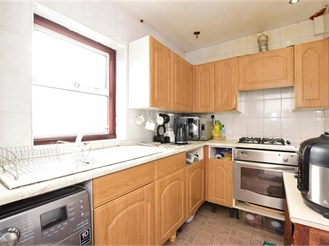 3 bedroom end of terrace house in Manor Park, London