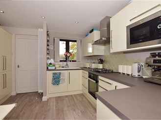 2 bed end of terrace house in Upper Leytonstone