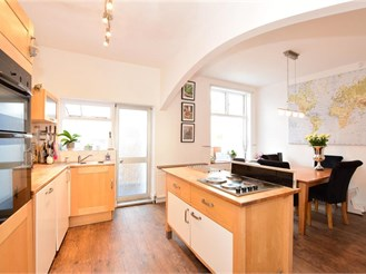 3 bedroom terraced house in London E4