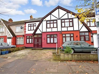 5 bedroom terraced house in Ilford