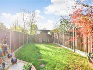 3 bedroom terraced house in Hornchurch