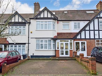 4 bedroom terraced house in Gants Hill, Ilford