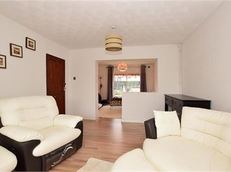 4 bedroom end of terrace house in Newbury Park, Ilford