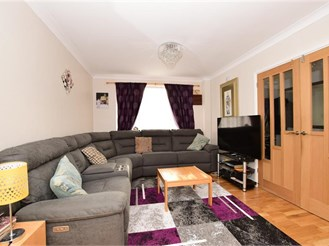 5 bedroom semi-detached house in Wickford