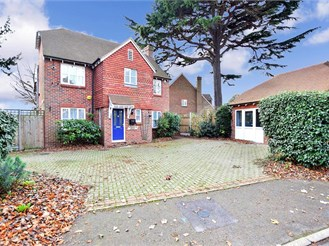 5 bedroom detached house in Sittingbourne