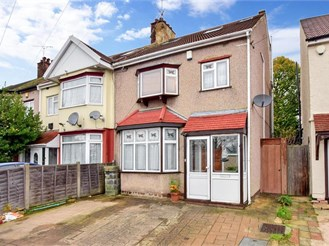 4 bedroom semi-detached house in Gants Hill, Ilford