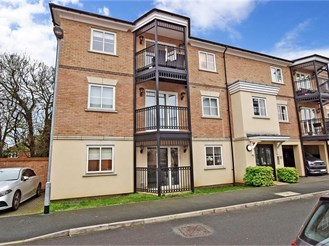 2 bedroom ground floor flat in Epping