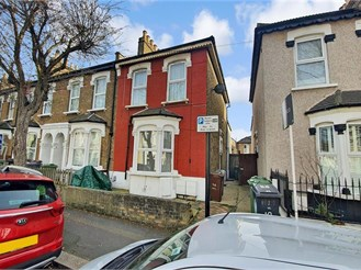 2 bedroom first floor converted flat in London E10