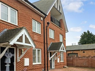 4 bedroom town house in Ongar