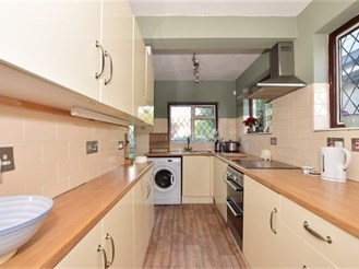 3 bed detached house in Wickford