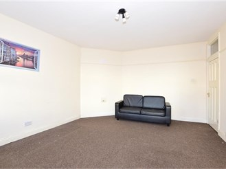 2 bedroom first floor flat in Dagenham