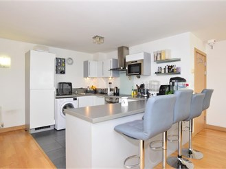 3 bed fifteenth floor flat in Ilford