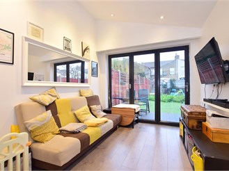 2 bed ground floor converted flat in East Ham